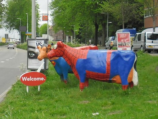 WestCord Art Hotel Amsterdam : SuperCow e SpiderCow