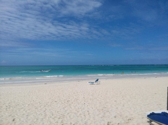 Bavaro Princess All Suites Resort, Spa & Casino: Lonely Beach Chair