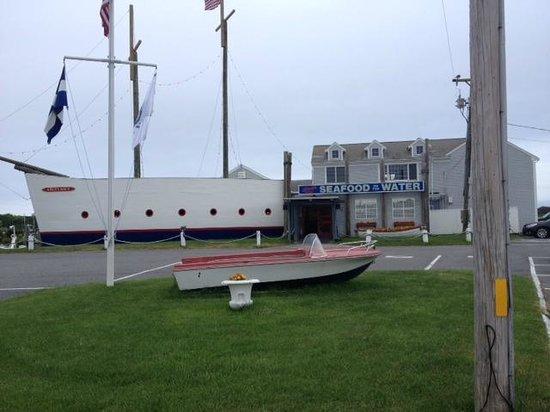 Lobster Boat : Street view