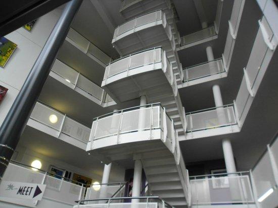 WestCord Art Hotel Amsterdam: Arte até na escada