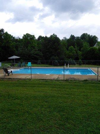 Rose Creek Campground & Cabins: Pool