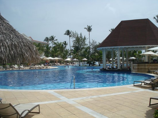 Luxury Bahia Principe Esmeralda : one of the many pools