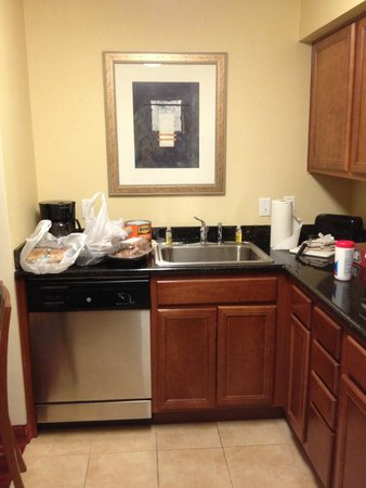 Residence Inn Abilene: Kitchen area in room