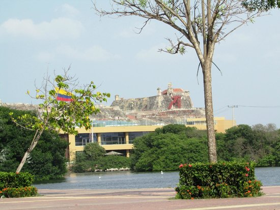 Château de San Felipe de Barajas : y desde muy lejos