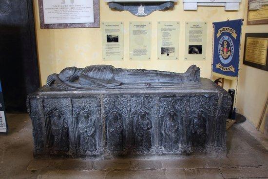 Christ Church Cathedral: dead guy burreid in church