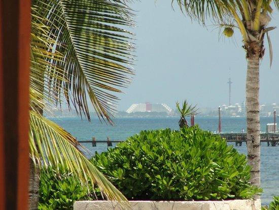 Villa del Palmar Cancun Beach Resort & Spa : View to Isla Mujeres