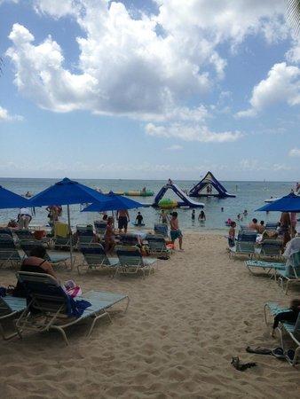 Paradise Beach: Beautiful beach!!