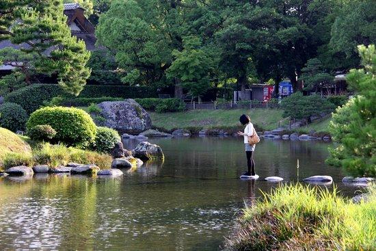 Suizenji Jojuen Garden : zen