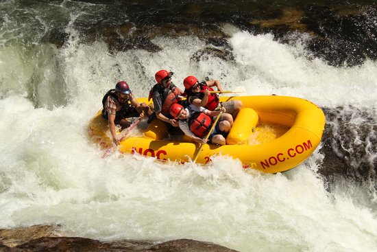 Nantahala Outdoor Center : Almost tipped over but we saved it