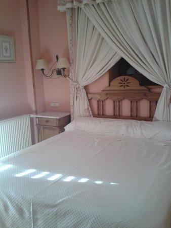 Hotel Nava Real: Habitación