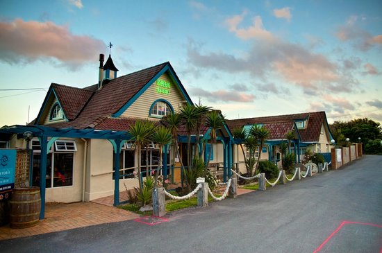 Byron's Resort: Restaurant