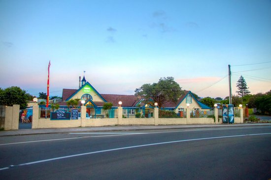 Byron's Resort: View from Tasman Road