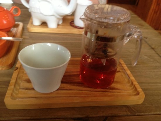 Tea Sutra Teahouse: fruit infusion