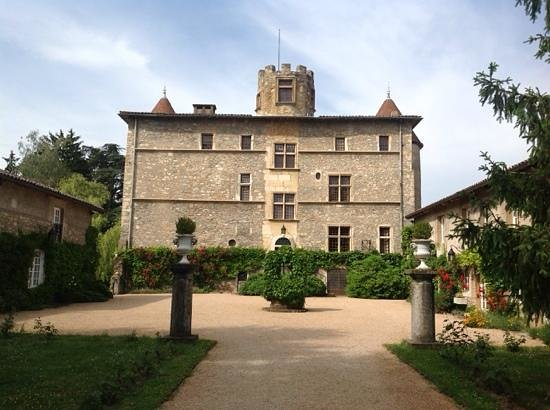 Chateau de Tanay: front of the Chateau