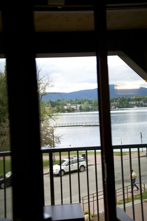 Hampton Inn & Suites Lake Placid: Through the door to the balcony