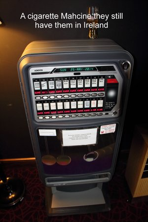 Cork International Hotel : cig machine