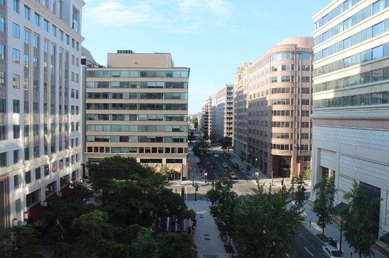 Washington Marriott at Metro Center: Vista desde la habitación de día