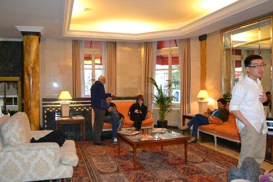 Carlton Lausanne Boutique Hotel: comodo estar