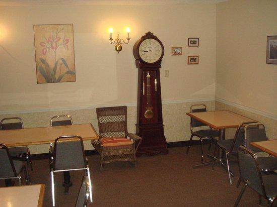 Black Mountain Inn : Breakfast Seating Area