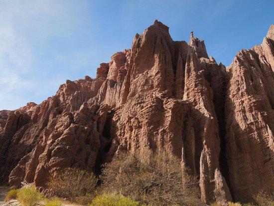 Cuevas de Acsibi: camino a las cuevas