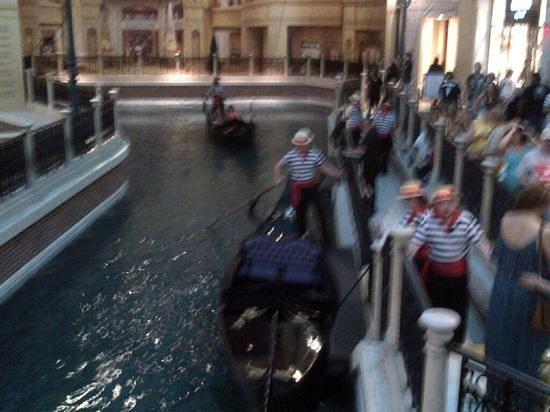Gondola Rides at the Venetian : blurry but fun.