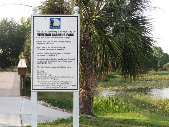 Venetian Gardens Park : Park Sign