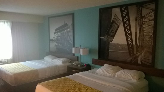 Super 8 Collinsville St. Louis: 2 bed smoking room