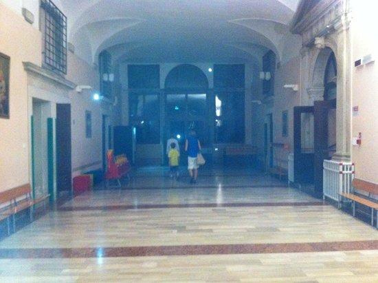 Istituto San Giuseppe: Central hallway of main building