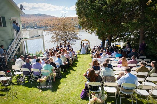 Lakeside Haven B Wedding Ceremony Held With Over 100 Guests By The Water