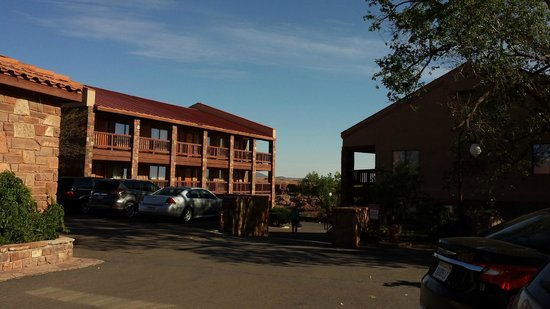Cameron Trading Post Grand Canyon Hotel : View of buildings