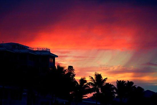 Cornerstone Beach Resort: stacyshoemake.com