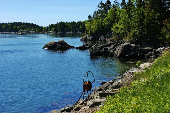 Chocolate Cove: One of many coves