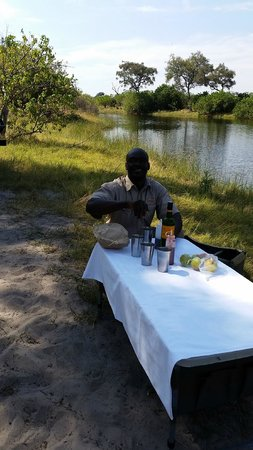 Ghoha Hills Savuti: Lunch with Bogosi(BG) and hippos