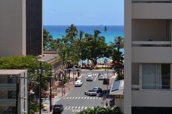Vive Hotel Waikiki : The view from our room.