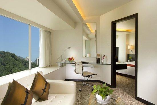 Regal Riverside Hotel : Executive Suite