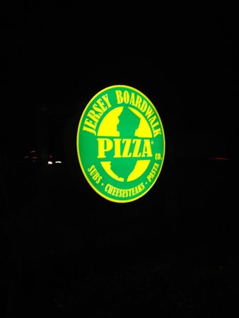 Jersey Boardwalk Pizza: Awesome food here!!