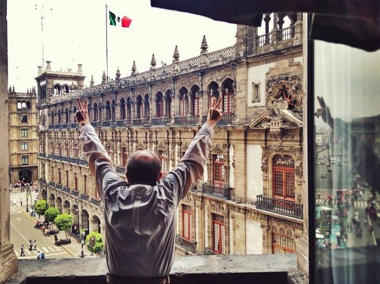 Gran Hotel Ciudad de Mexico: Addressing the Masses from My Room
