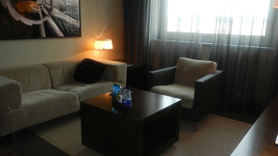 AC Hotel Barcelona Forum by Marriott: Sitting room
