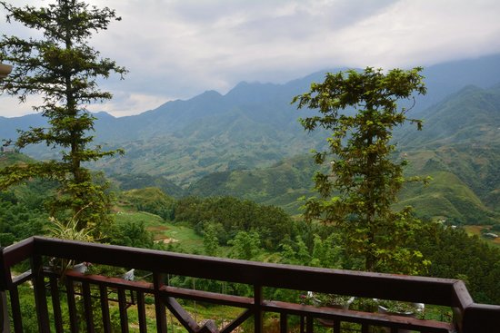 Grand View Sapa Hotel: Imagine almost180 degrees of this...
