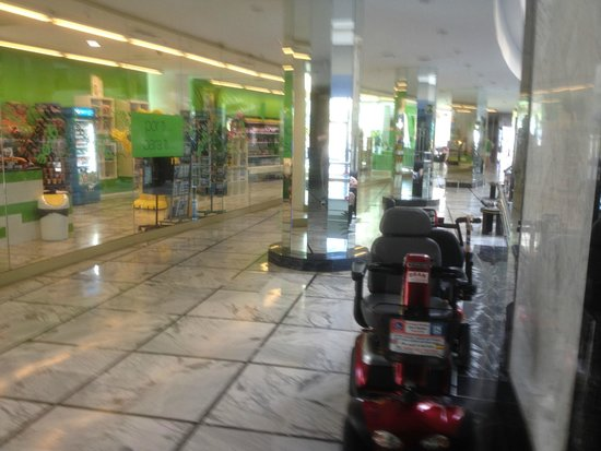 Mediterranean Palace Hotel: Reception area