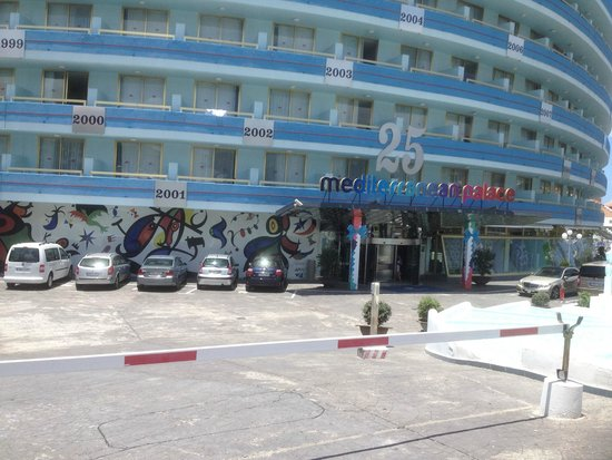 Mediterranean Palace Hotel: Front entrance