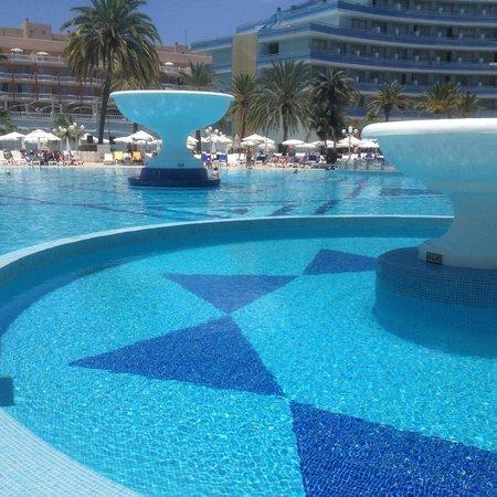 Mediterranean Palace Hotel: Pool