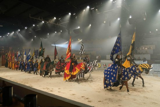 Medieval Times Dinner & Tournament: Cavaleiros e escudeiros