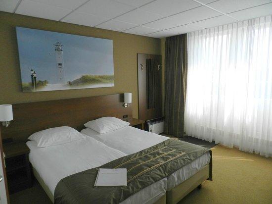 Hotel de Koningshof Noordwijk: Room 8 -- Small Balcony Beyond