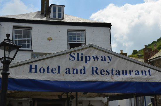 Slipway Hotel : The hotel as viewed from the slipway