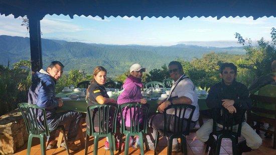 Sachatamia Lodge: Desayunando y pajareando al amanecer.