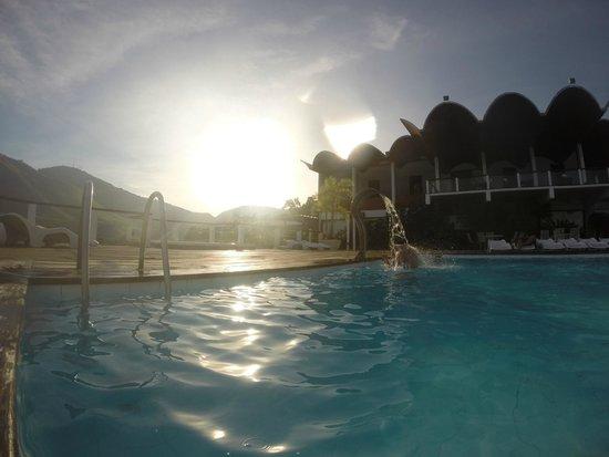 Portogalo Suite Hotel: Piscina