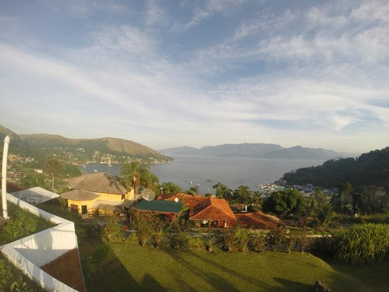 Portogalo Suite Hotel: Vista do deck da piscina
