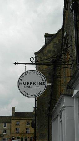 Huffkins: Exterior