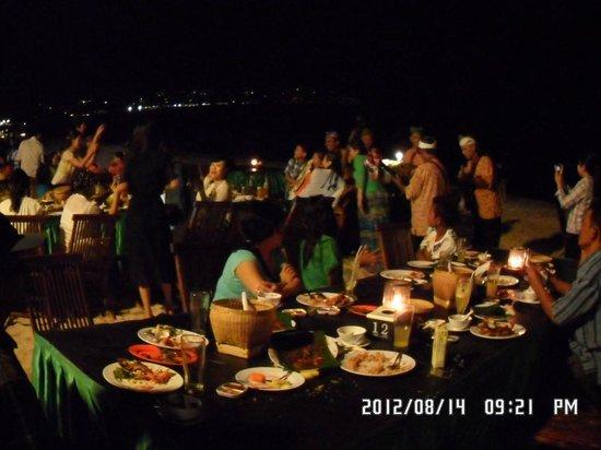 Furama Cafe Seafood - Jimbaran Bay: Dinner big family